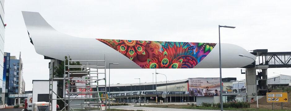 LED Videowall Werbung DOOH Kampagnen Flughafen Wien-Schwechat, Niederösterreich, Wien, Österreich bei belvue.net Videowall Netzwerk