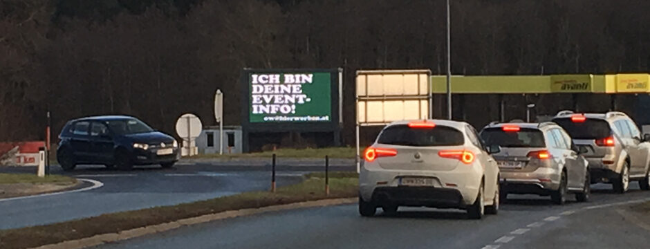 LED Videowall Werbung DOOH Kampagnen Autobahn A2 Oberwart, Burgenland, Österreich bei belvue.net Videowall Netzwerk. Digitale Außenwerbung